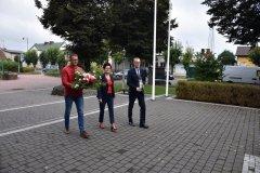 Przewodnicząca Rady Krystyna Michalak, Sekretarz Gminy Tomasz Rajczyk oraz Kierownik Urzędu Stanu Cywilnego Mariusz Drzewiecki