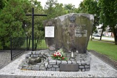 """Pomnik  ,,Tym, co za Ojczyznę… walczyli, cierpieli, ginęli…"""""""
