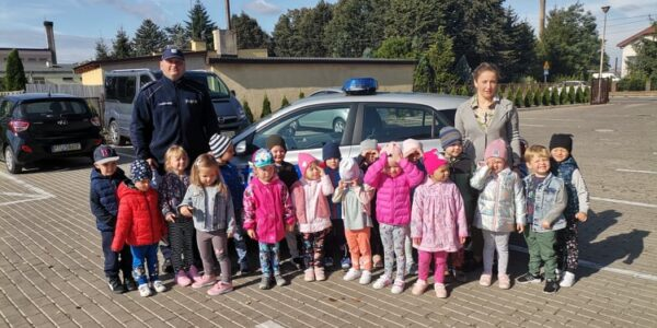 Spotkanie z Policjantem w Przedszkolu Gminnym we Władysławowie nt. bezpieczeństwa